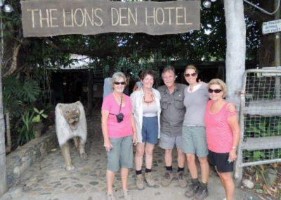 lions-den-hotel